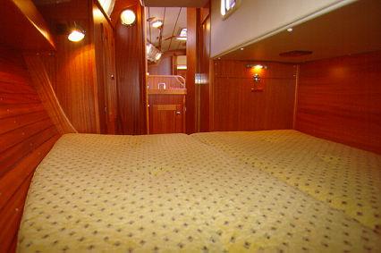 http://www.scancharter.com/wp-content/uploads/boats/9754_hr31-4[3].jpg